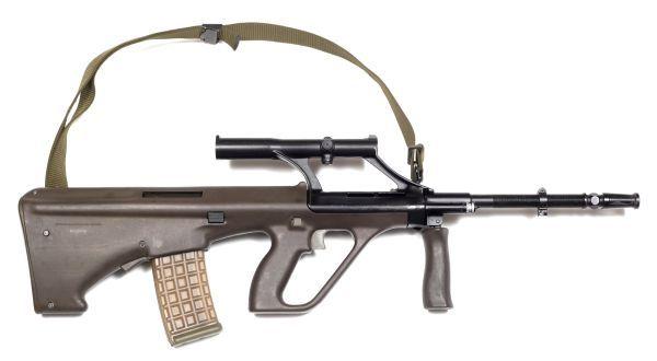 samonabíjecí puška Steyr Aug A1 semi-auto
